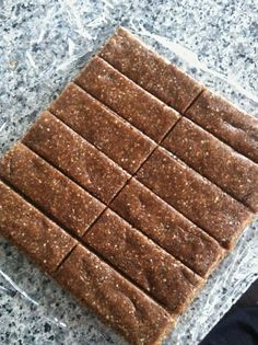 Easy, Healthy Snack Bars - make ahead for easy kid snacks to go!