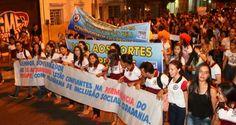 Protesto contra atrasos nos repasses do Programa Universidade para Todos em Pernambuco aconteceu em Afogados da Ingazeira, no Pajeú.
