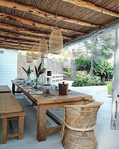 Love this outdoor zone, perfect Friday entertaining space!  What do you guys reckon?   #viapinterest #yohome #inspo