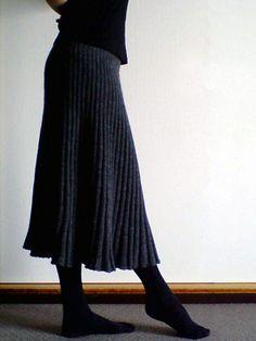 before sunrise -nysun's handmade diary-: ブルガリアスカート Knit Skirt, Midi Skirt, Handmade Diary, Before Sunrise, Craft Patterns, Knitwear, Knit Crochet, Stitch, Knitting