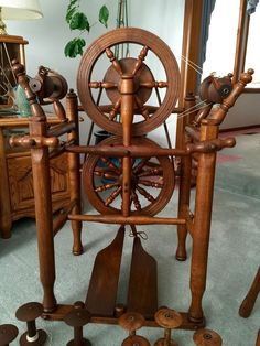 Beautiful Restored Williamson Spinning Wheel in Fumed Oak and Chair | eBay