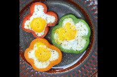 Colorful breakfast! Bellpepper, egg.