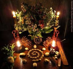 Yule - Winter Solstice - Altar - Pagan - Pinned by The Mystic& Emporium on Etsy Autel Wiccan, Wicca Altar, Pagan Witch, Magick, Witchcraft, Pagan Yule, Wiccan Decor, Samhain, Mabon