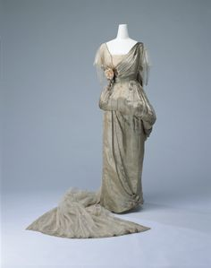 Worth court dress, 1914From the Kyoto Costume Institute via...