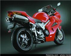 Like- Honda 800 VFR Vtec 2002