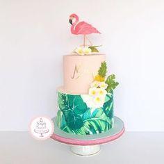 Flamingo birthday cake for a flamingo party theme. Flamingo Party, Flamingo Cake, Flamingo Birthday, Luau Birthday, First Birthday Cakes, Birthday Parties, Birthday Ideas, Adult Birthday Cakes, 13th Birthday