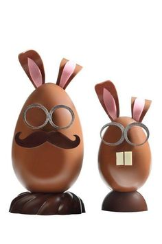 35 € et 24 € Chocolate Work, Chocolate Brands, Easter Chocolate, Homemade Chocolate, Christophe Roussel, Luxury Easter Eggs, Fancy Food Presentation, Chocolate Showpiece, Chocolate Belga