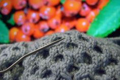 Knitting.  For photos please visit the blog. Kaavoihin kangistumatta: Très chic ja neuloosiprojektin tunnelmia