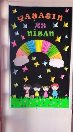 Kindergarten Classroom Door, Space Classroom, Classroom Charts, Classroom Decor, Easy Diy Crafts, Diy Arts And Crafts, Crafts For Kids, Bird Crafts, Paper Crafts