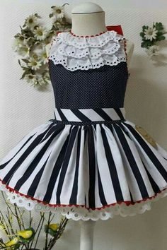 Love the detail Little Girl Outfits, Kids Outfits Girls, Little Girl Fashion, Little Girl Dresses, Kids Fashion, Baby Girl Dresses, Cute Dresses, Baby Dress Patterns, Frocks For Girls