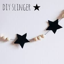 Silver stars, white/wood beads for Christmas Tree decoration Noel Christmas, Scandinavian Christmas, Christmas Crafts, Christmas Decorations, Christmas Ornaments, Xmas, Crafts To Make, Crafts For Kids, Diy Crafts