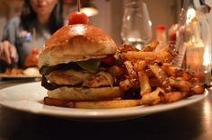 Burger im CabSlam aka. California Breakfast Slam in Neukölln. Noch mehr Infos liest du auf unserem Blog! #berlinguide