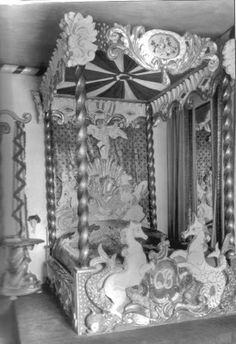 Cecil Beaton's exuberant bed in the Circus Bedroom at Ashcombe