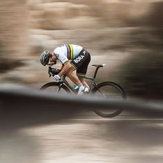 Peter Sagan puts his head down and charges in the Southern California desert @ride100percent
