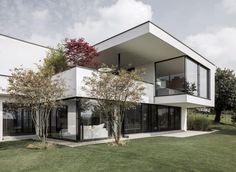 House in Uitikon by Meier Architekten