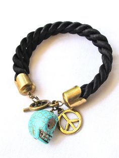 DIY: 25 Trendy Handmade Bracelets, a lot of these are really cute and look really easy!
