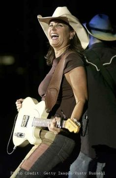 hot and sexy Terri clark at DuckDuckGo Country Female Singers, Country Music Artists, Music Pics, Music Photo, Cma Music Festival, Country Hits, Women Of Rock, Guitar Girl, Female Guitarist