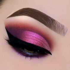 "9,508 Likes, 43 Comments - NABLA Cosmetics (@nablacosmetics) on Instagram: ""What a lovely cranberry toned eye look! Such a beautiful option for this Holiday Season delivered…"""