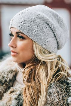 Knitting Patterns Hat A winter hat. Knitting Basics, Knitting Stitches, Knitting Designs, Knit Or Crochet, Crochet Hats, Knitting Accessories, Bandeau, Knit Patterns, Knitted Hats