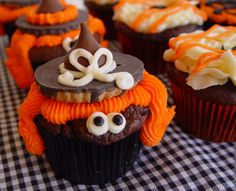 Cute witch cupcakes