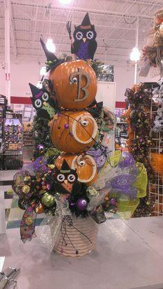 BOO OWL topiary...Robin Evans