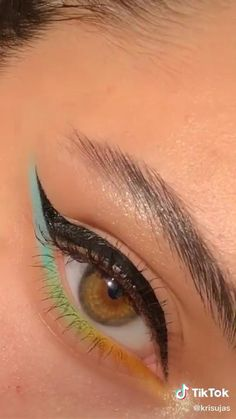Makeup Eye Looks, Eye Makeup Art, Glam Makeup, Skin Makeup, Makeup Inspo, Eyeshadow Makeup, Makeup Inspiration, Crazy Eye Makeup, Summer Eye Makeup