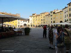 Piazza in der Provinzhaupstadt Lucca www.traumtoskana.com