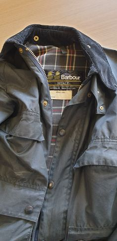 Barbour Bedale Blue with four front pockets and two royal warrants Nice Jackets, Wax Jackets, Barbour Jacket Mens, Bomber Jacket, Vintage Style, Vintage Fashion, Waxed Cotton Jacket, Belstaff, Tartan