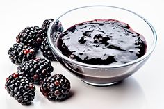 Ostružinový džem Blackberry, Sweet Recipes, Acai Bowl, Jelly, Spices, Food And Drink, Smoothie, Homemade, Canning