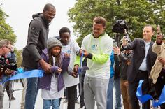 Kevin Durant Helps Unveil Seattle Basketball Court for Underprivileged Youth - Celebrities Do Good