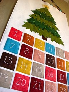 Christmas time is coming! Advent Calendars felt ornaments in pockets go on tree, should be a good addition to an activity. Christmas Sewing, Felt Christmas, All Things Christmas, Winter Christmas, Christmas Holidays, Christmas Decorations, Christmas Tables, Nordic Christmas, Modern Christmas