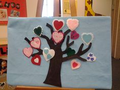 Valentines tree with hearts & rhyme Valentines Day Poems, Valentine Tree, Valentines For Kids, Valentine Crafts, Valentine Ideas, Flannel Board Stories, Felt Board Stories, Felt Stories, Flannel Boards