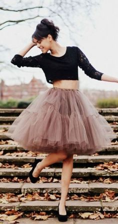 How To Look Chic In A Tulle Skirt.Tulle skirt, another form of tutu is a perfect staple for daytime and evening looks. They have been making their way. Fashion Blogger Style, Look Fashion, Fashion Beauty, Womens Fashion, Skirt Fashion, Fashion Dresses, Fashion Tag, Office Fashion, Unique Fashion