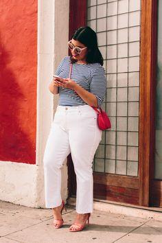 Jeans plus size jeans curvy plus size white jeans top plus size top stripes striped top Plus Size Jeans, Peplum Plus Size, Look Plus Size, Curvy Plus Size, Plus Size Dresses, Plus Size Outfits, Casual Winter Outfits, Winter Skirt Outfit, Curvy Outfits