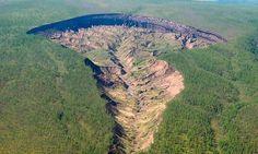 гигантский «кратер Батагайка» в Восточной Сибири