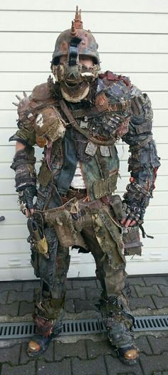 Post apocalyptic armour / wasteland LARP / men's coplay / distressed / destroyed / rugged / survivor / zombie hunter / Mad Max