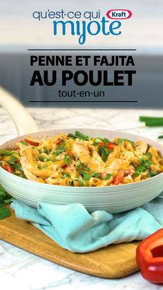 This simple and yummy chicken fajita penne is a one-pot wonder. Add it to your weeknight recipe repertoire and spice up family dinners. Food and Drinks One Pot Chicken, Chicken Fajitas, Chicken Fajita Casserole, Chicken Penne, Supper Recipes, One Pot Meals, How To Cook Pasta, Tasty Dishes, Family Meals