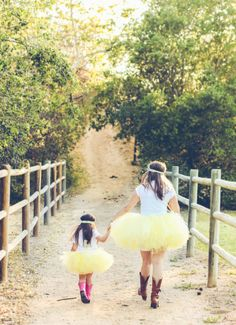 For your next themed birthday party, mommy & daughter photo shoot, or wedding have a little fun and wear mother daughter matching tutus. Mommy Daughter Pictures, Mother Daughter Outfits, Mommy And Me Outfits, Mom Daughter, Mother Daughters, Family Photography, Photography Poses, Children Photography, Mommy And Me Photo Shoot