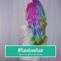 Wird #Rainbowhair das nächste große Ding? Markiert jemanden dem es stehen würde  #instagood #rainbow #rainbowhaircolor #rainbowhairdontcare #rainbowhairedwarrior #rainbowhaircolors #rainbowhairstyles #rainbowhairs #mermaidhair #pinkhair #pink #hair