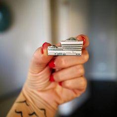 Mid Mod Pin — Frank Lloyd Wright's Guggenheim Museum 〰️ midcentury modern-inspired enamel pins!