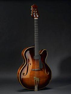 Scharpach Vienna Archtop Guitar in Traditional Brown