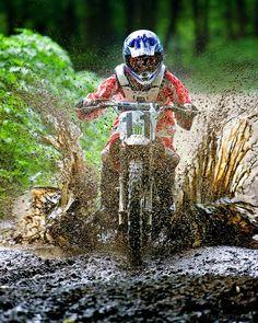 Great photo of some mud riding. Motocross Quotes, Motocross Gear, Hummer, Off Road Moto, Bmx Scooter, Dirt Bike Gear, Dirt Biking, Travis Pastrana, Moto Cross