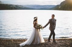 I feel like the luckiest when I get to shoot weddings where I grew up – so many wonderful memories camping at Suttle Lake over the years. Plus, runs along the trail around the lake, late nigh…