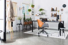 WERKKAMER | Bureaustoel Doulton van Zuiver cognac met grijs. Erg handig voor je werkplek. Probleemloos achteruit rollen is nu mogelijk!