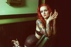 Le tatouage fascine depuis toujours. Autrefois synonyme de violence et de délinquance, le tatouage a su se défaire de cette image pour continuer à séduire,