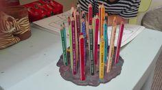 Minden gyermek szeret irka-firkálni, rajzolni, alkotni, sőt, manapság a nagyon divatos felnőtteknek ajánlott színezők által, mi is élvezhetjük...