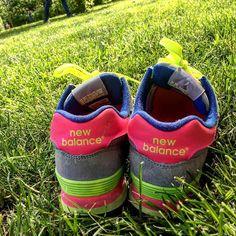 #latergram #newbalance #runnings #neonlights #gras #nofilter #nature #enjoythemoment #laloliettemamancoquette New Balance, Neon, Sneakers, Nature, Instagram Posts, Neon Tetra, Tennis Sneakers, Sneaker, Women's Sneakers