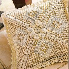 (12) Flory Crochet