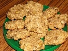 Soft Banana/PB Dog Treats    3/4 c. mashed bananas  1/4 teaspoon vanilla extract  1/4 c. peanut butter  1/8 c. oil  1 & 1/2 cups quick oats    Stir the first 4 ingredients together, with a wooden spoon. Mix in the oats and drop by heaping teaspoon onto a cookie sheet. Press flat.    Bake 8 to 10 minutes at 350 degrees. Yield: About 24