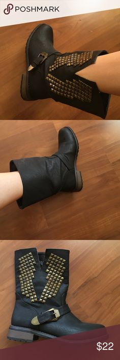 New. Bamboo boots.Man made material.Size 6.5 New. Very stylish boots. Bamboo Shoes Ankle Boots & Booties